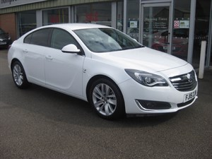 used Vauxhall Insignia SRi NAV 2.0CDTi 16v (140PS) ecoFLEX Start/Stop 5dr LOW MILEAGE  in louth