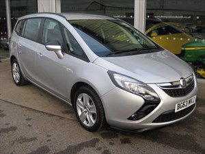 used Vauxhall Zafira Tourer Exclusiv 1.4i 16v VVT Turbo (140PS) Auto in louth