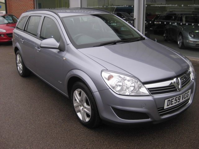 used Vauxhall Astra Club 1.6i 16v 5dr Estate RAC Warranty in louth