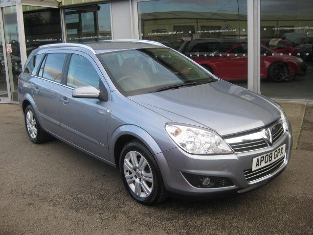 used Vauxhall Astra Design 1.6i 16v 5dr Estate LOW MILEAGE in louth