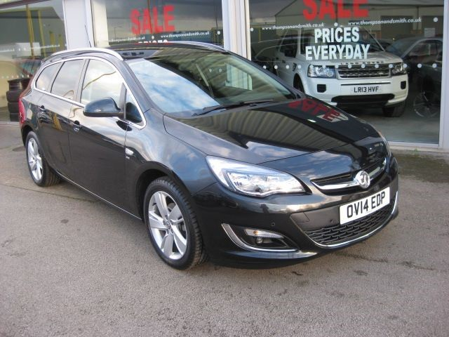 used Vauxhall Astra SRi 1.6i 16v 115PS 5dr Estate Auto in louth