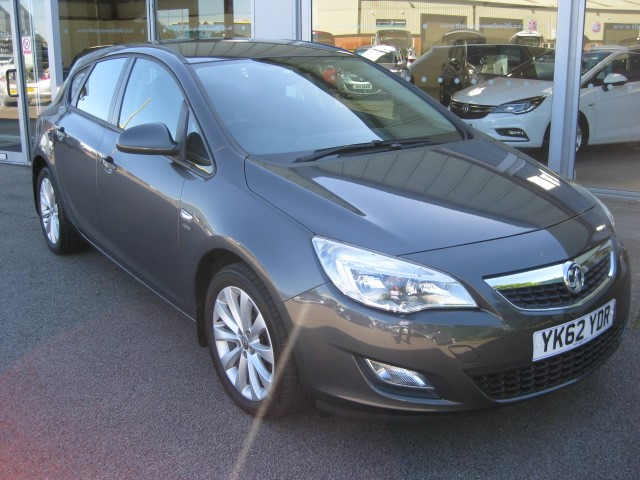 used Vauxhall Astra Active 1.6i 16v 115PS 5dr RAC Warranty in louth