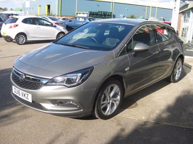 Used Granite Grey metallic Vauxhall Astra For Sale ...