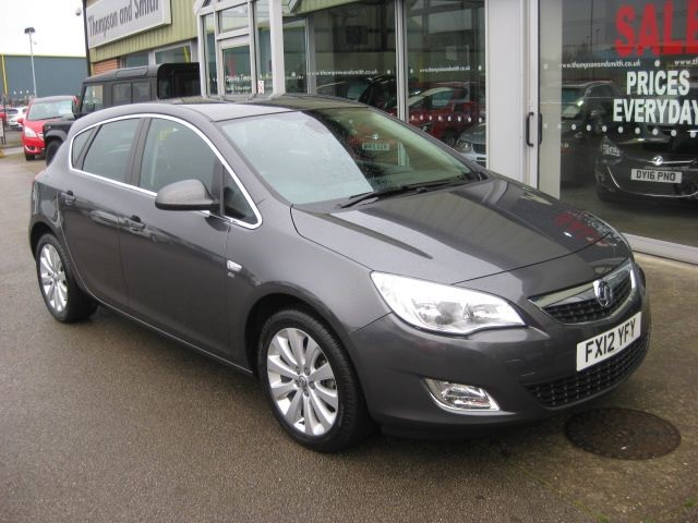 used Vauxhall Astra SE 1.6i 16v 5dr Auto ONE OWNER in louth