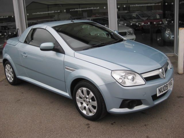 used Vauxhall Tigra Air 1.4i 2dr convertible LOW MILEAGE in louth