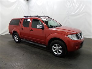 used Nissan Navara Double Cab Pick Up Tekna 2.5dCi 190 4WD in leicester