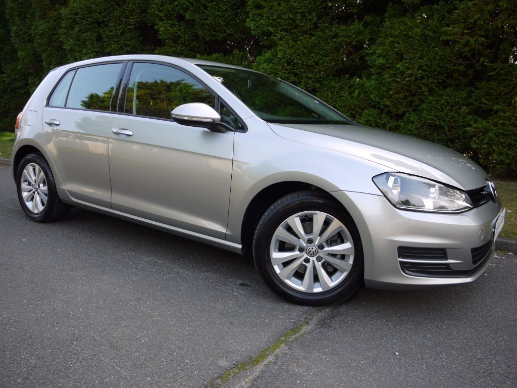 used tungsten silver metallic vw golf for sale surrey. Black Bedroom Furniture Sets. Home Design Ideas