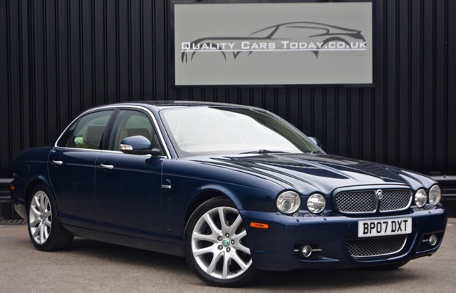 used Jaguar XJ 2.7 TDVI Sovereign Diesel 'Facelift' + FSH + High Spec  in sheffield
