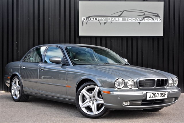 used Jaguar XJ 4.2 V8 Sport *12 Jaguar Stamps + Jag Enthusiast Club Owned* in sheffield