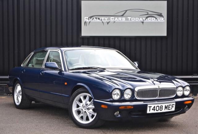 used Jaguar XJ 8 4.0 Sovereign V8 LWB *2 Former Keepers + Rare Spec* in sheffield