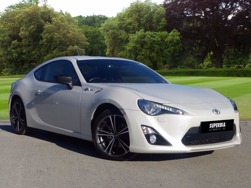 used white toyota gt86 for sale essex. Black Bedroom Furniture Sets. Home Design Ideas