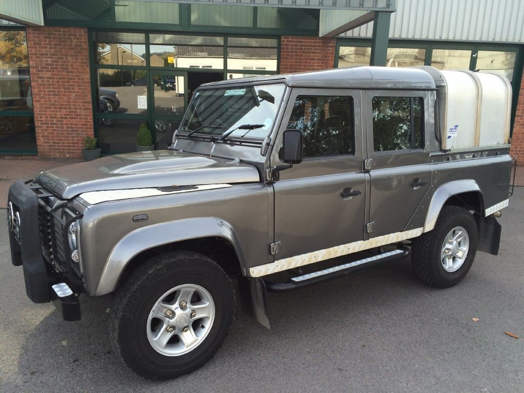 Click To View Larger Images Of This Land Rover Defender