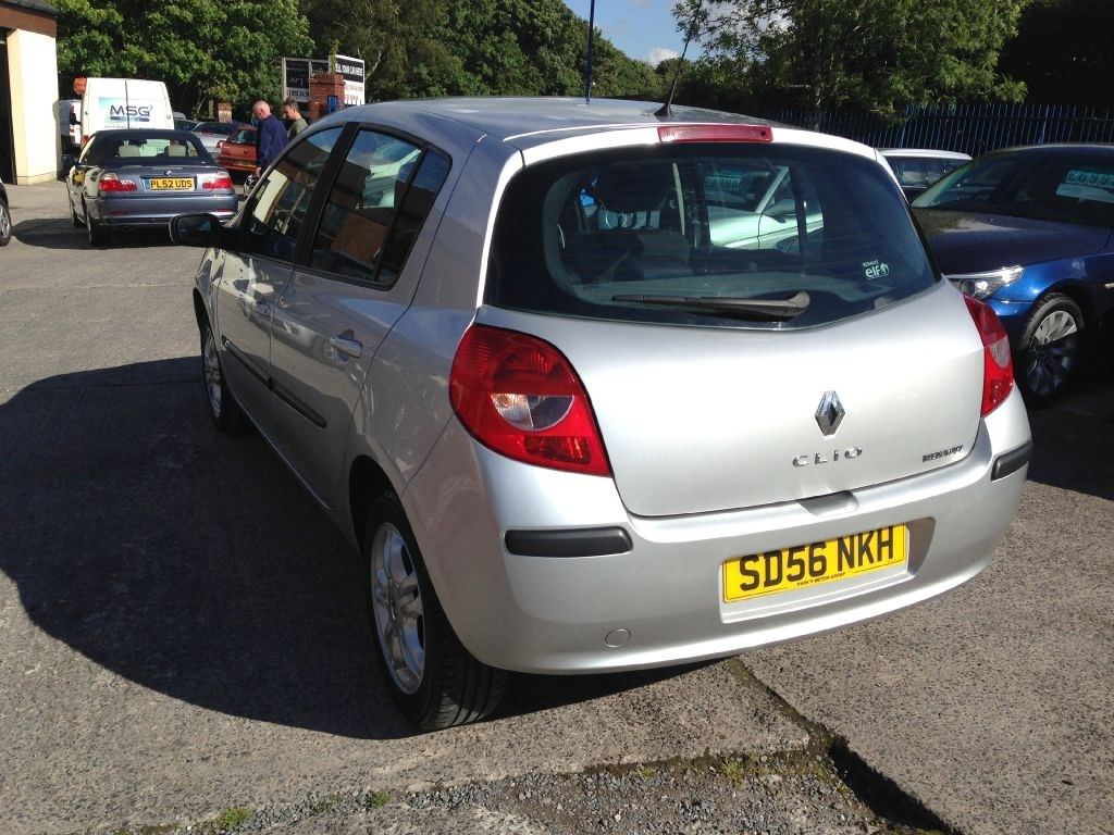 renault clio dynamique dci diesel 5 door new shape for sale in accrington blackburn. Black Bedroom Furniture Sets. Home Design Ideas