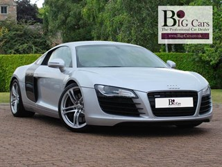 Click here for more details about this Audi R8 V8 QUATTRO R-Tronic Carbon Fibre Trim