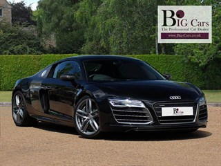 Click here for more details about this Audi R8 V10 PLUS QUATTRO S-Tronic AMI