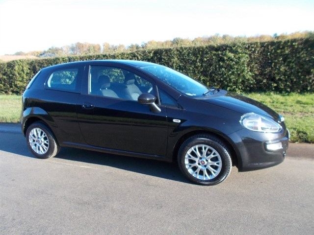 Fiat Punto Evo MyLife 3dr 9000 MILES ONLY