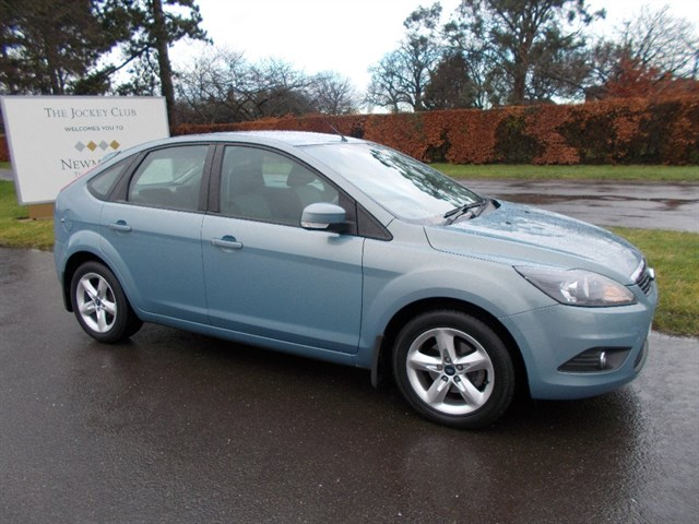 Ford Focus Zetec 5dr 35000 MILES ONLY