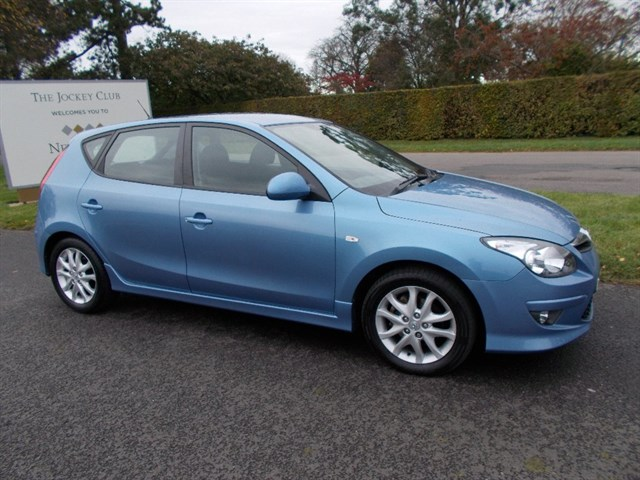 Hyundai i30 CRDi Comfort 5dr Auto 27000 MILES ONLY