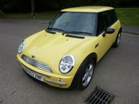 Used MINI Hatch COOPER CHILLI PACK CLIMATE