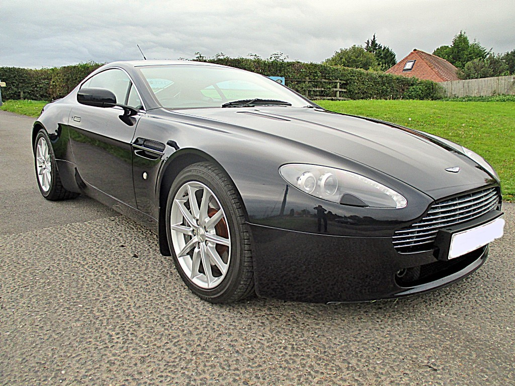 aston martin vantage v8 for sale pulborough west. Black Bedroom Furniture Sets. Home Design Ideas