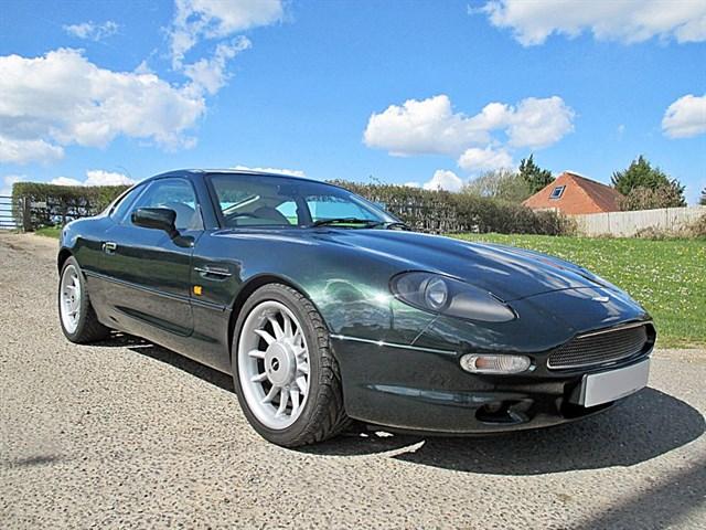 Aston Martin DB7 32 Coupe