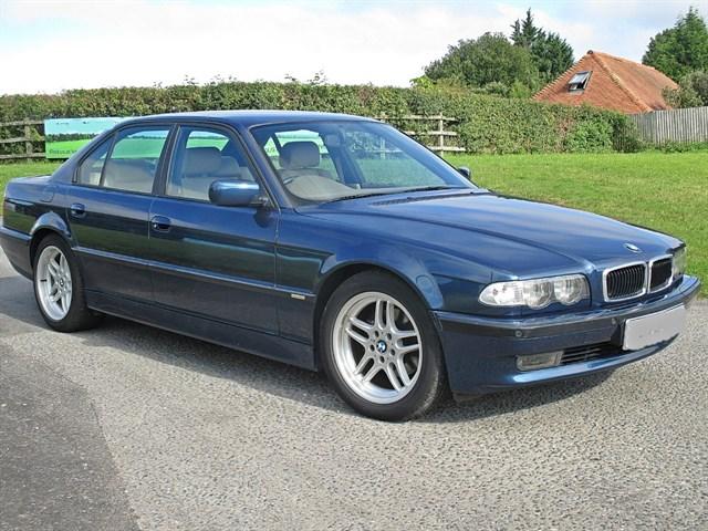 BMW 728i SPORT