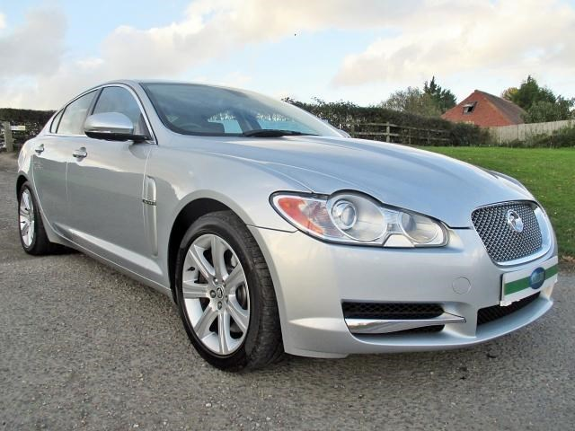 Jaguar XF Luxury Winter Comfort Pack