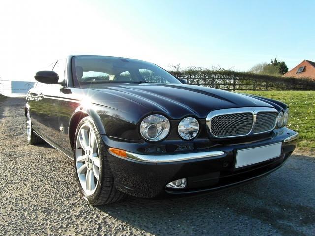 Jaguar XJ XJ SOVEREIGN TDVI AUTO Elm Wood Interior