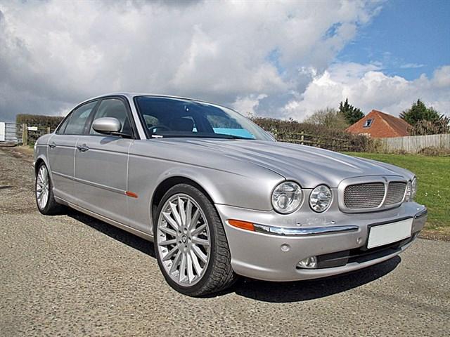 Jaguar XJ V8 R