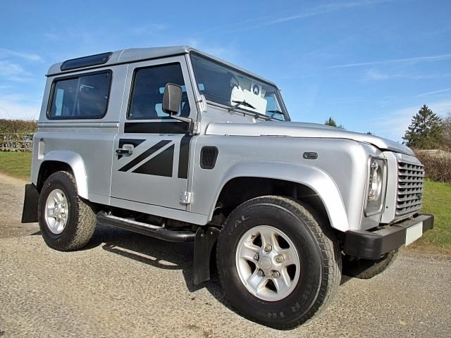 Land Rover Defender 90 XS STATION WAGON Very Low Mileage
