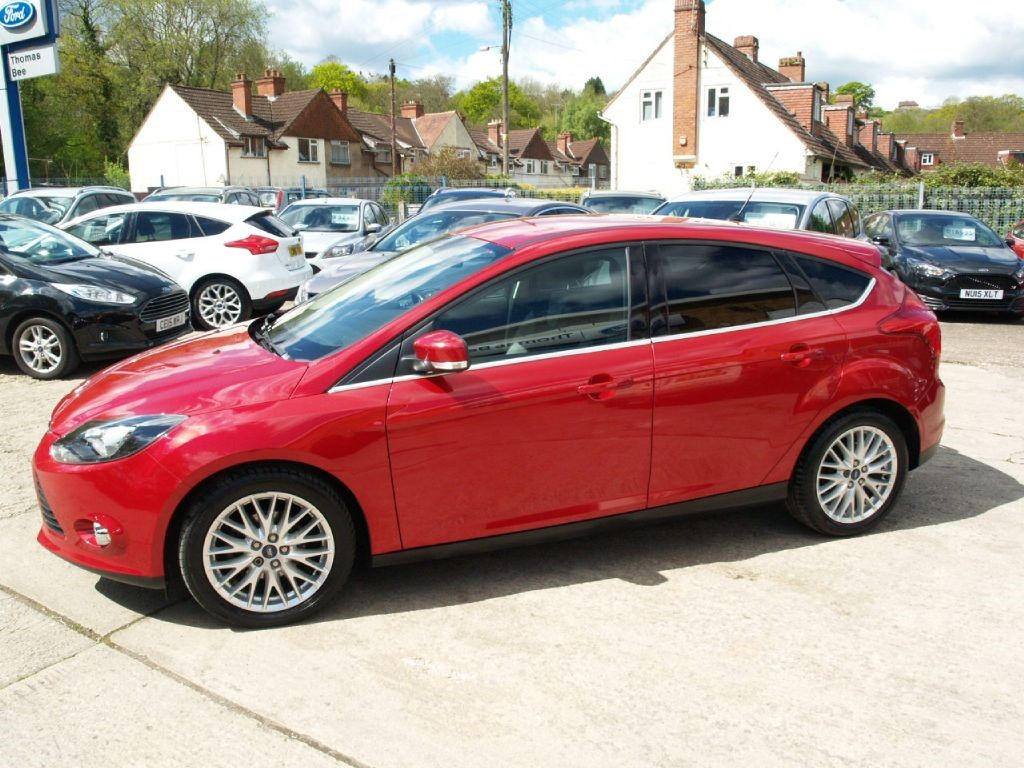 used candy red ford focus for sale gloucestershire. Black Bedroom Furniture Sets. Home Design Ideas