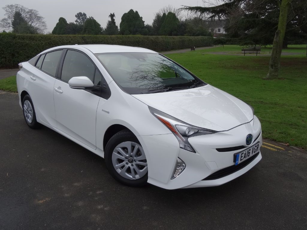 used toyota prius for sale ilford essex. Black Bedroom Furniture Sets. Home Design Ideas