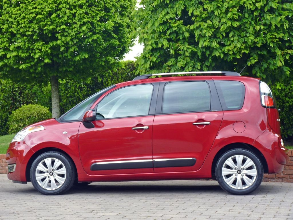 used diablo red metallic citroen c3 picasso for sale dorset. Black Bedroom Furniture Sets. Home Design Ideas