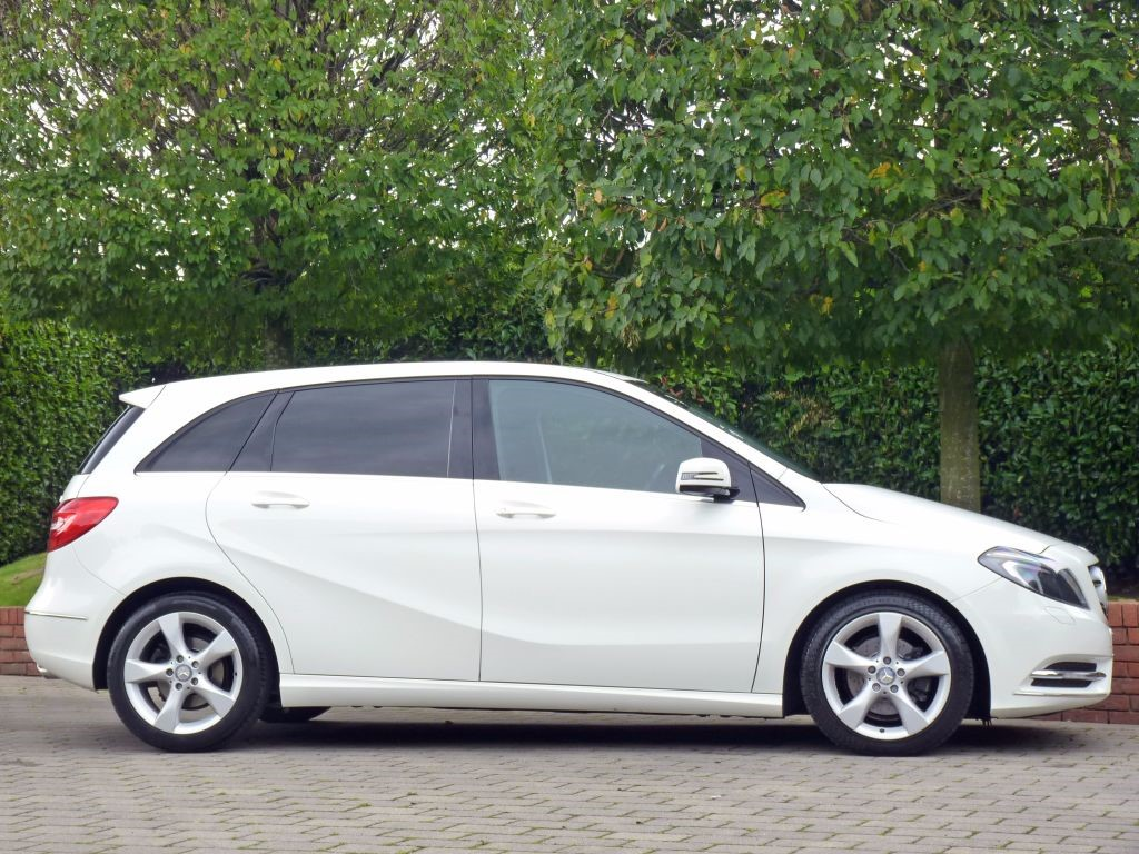 used pure white mercedes b180 cdi for sale dorset. Black Bedroom Furniture Sets. Home Design Ideas