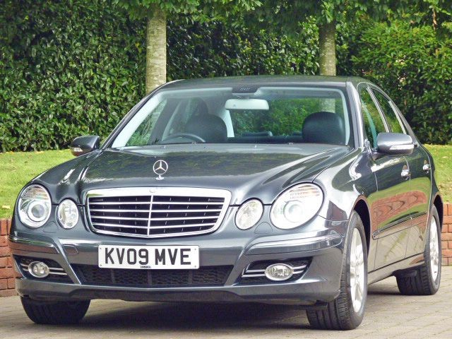 used Mercedes E220 2.1 CDI AVANTGARDE in dorset