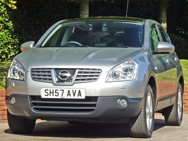 used Nissan Qashqai 2.0 TEKNA in dorset