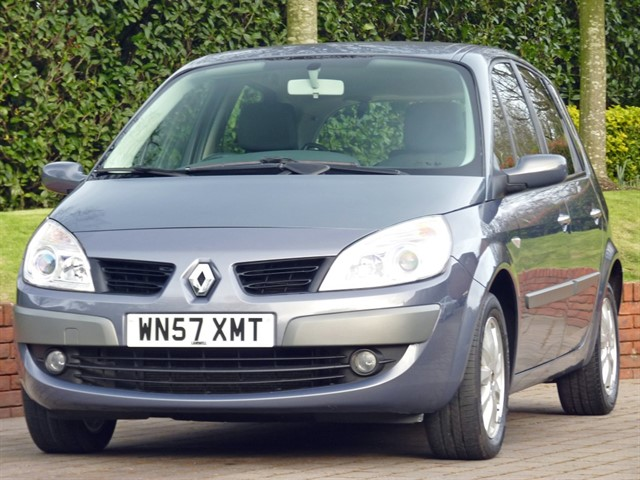 used Renault Scenic DYNAMIQUE 1.6 VVT Automatic in dorset
