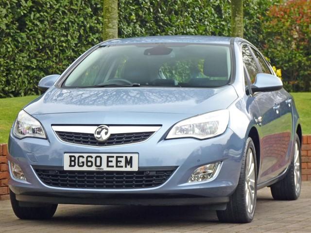 used Vauxhall Astra 2.0 CDTI ELITE  in dorset