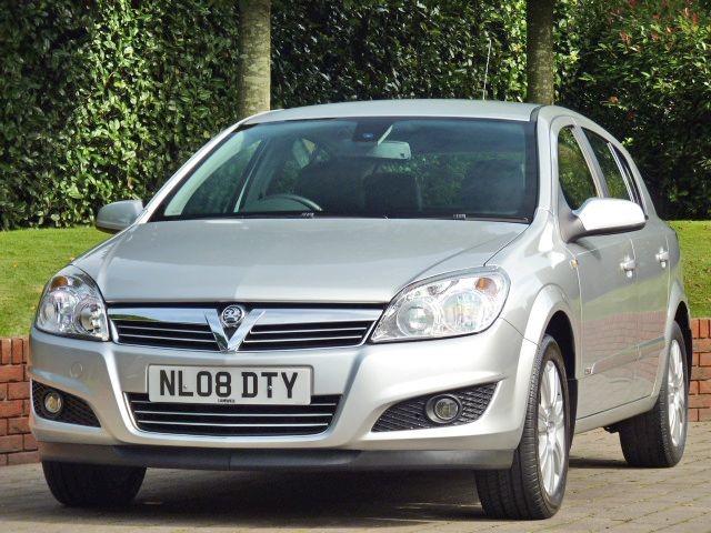 used Vauxhall Astra DESIGN 16V  in dorset