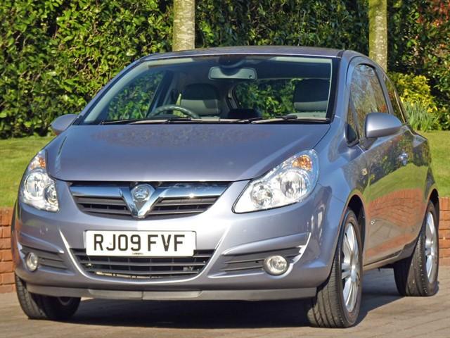 used Vauxhall Corsa 1.4 DESIGN  in dorset