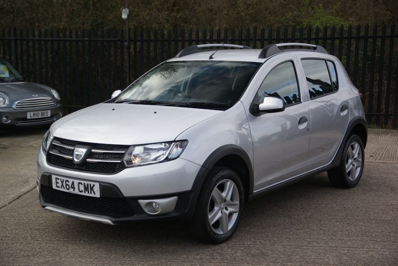 used silver dacia sandero for sale essex. Black Bedroom Furniture Sets. Home Design Ideas