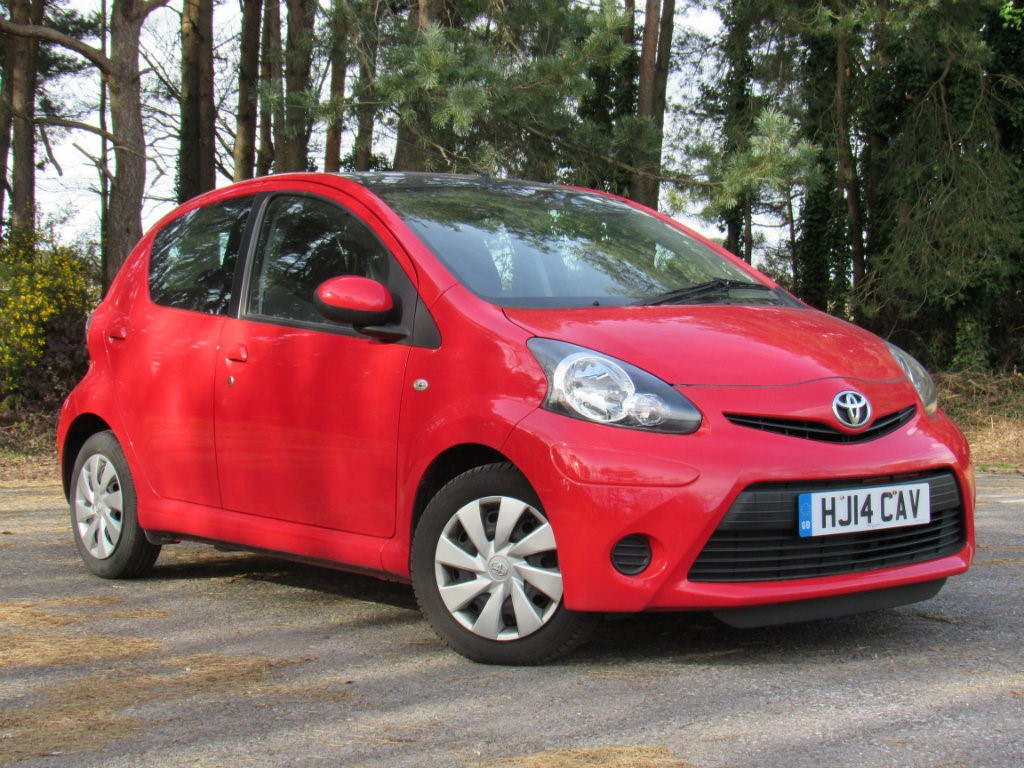 used multicolour toyota aygo for sale dorset. Black Bedroom Furniture Sets. Home Design Ideas