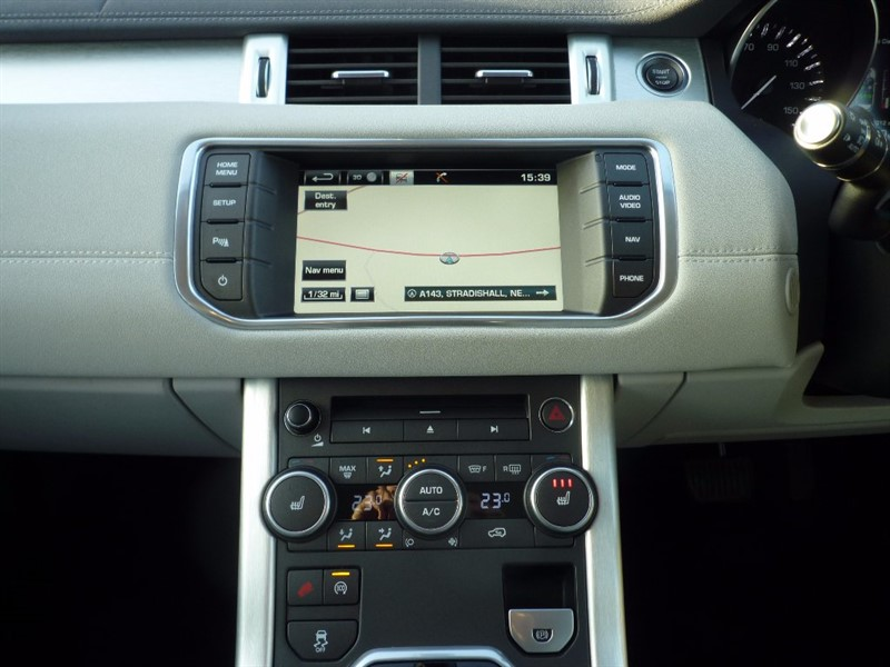 used Land Rover Range Rover Evoque Sd4 Pure TECH 5dr 4WD in suffolk