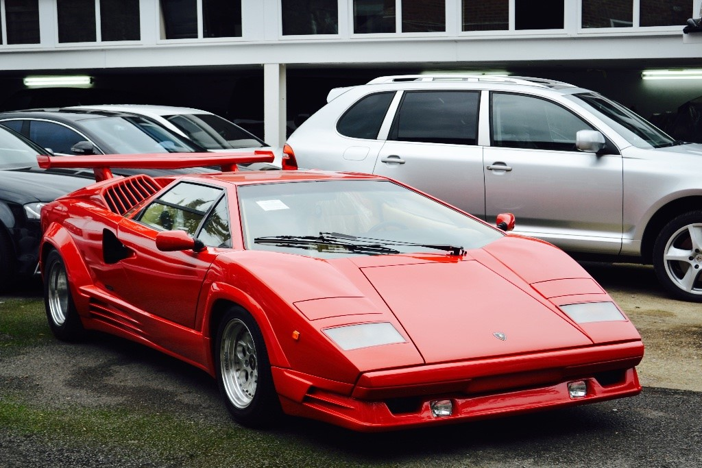 used red lamborghini countach for sale buckinghamshire. Black Bedroom Furniture Sets. Home Design Ideas