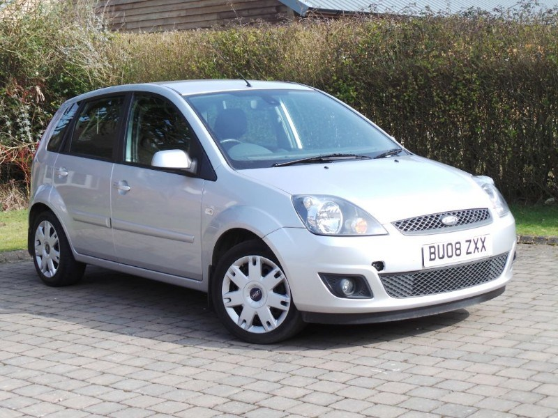 Ford Fiesta ZETEC CLIMATE 16V 5 Door Air Con Low Mileage Just Serviced