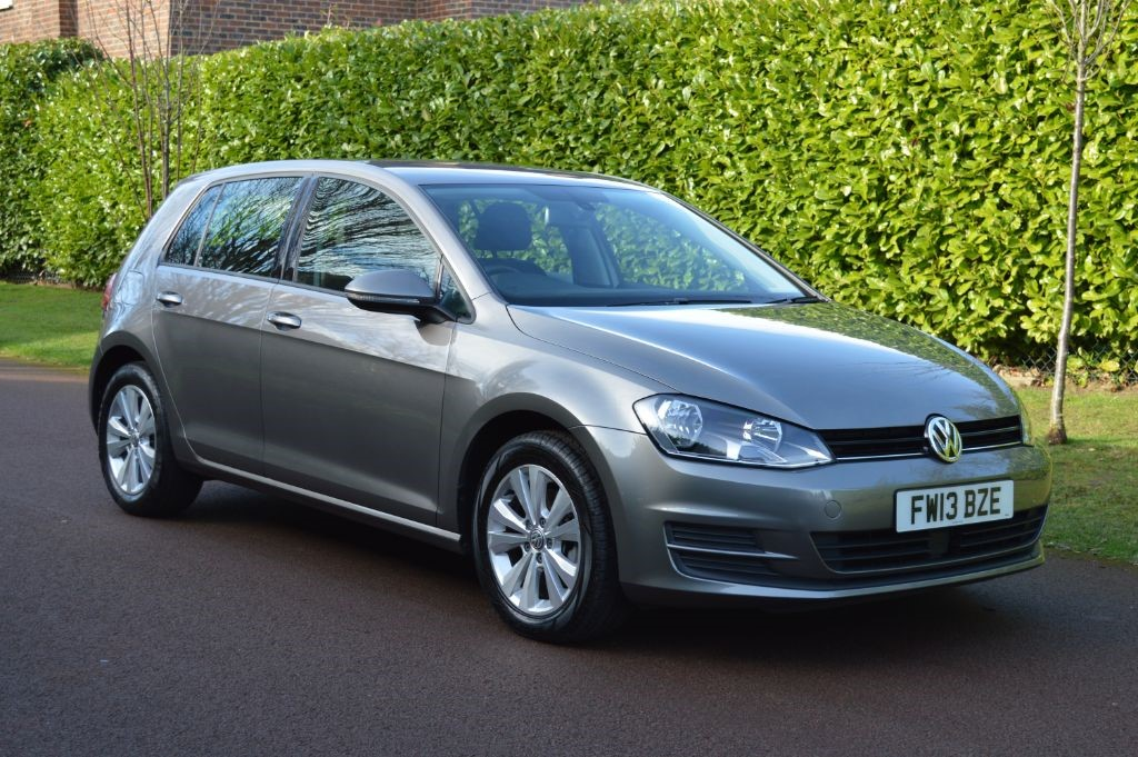 used VW Golf SE TSI BLUEMOTION TECHNOLOGY DSG in hersham-surrey