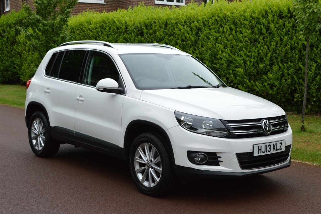used VW Tiguan SE TDI BLUEMOTION TECHNOLOGY 4MOTION DSG in hersham-surrey