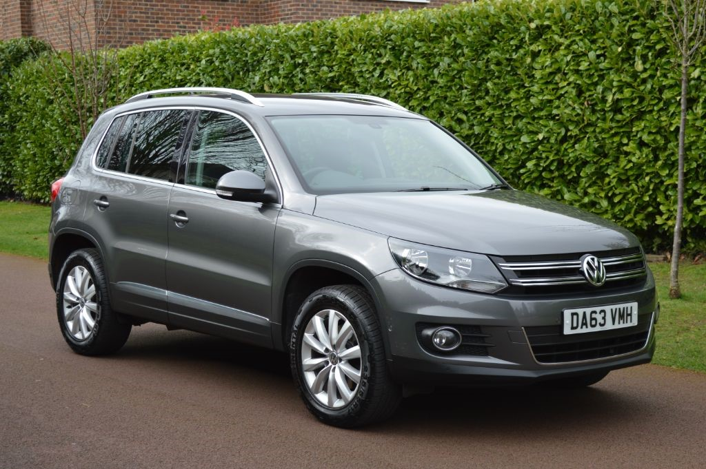 vw tiguan match tdi bluemotion tech 4motion dsg for sale hersham surrey wheelbase. Black Bedroom Furniture Sets. Home Design Ideas