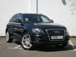 "used Audi Q5 TDI quattro S Line 20"" Alloys, Black leather Rear DVD Entertainment"