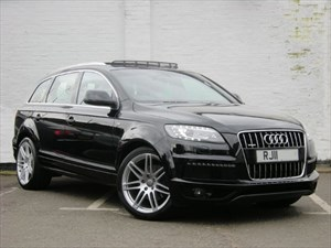 "used Audi Q7 TDI quattro S Line 8 Speed 21"" Alloys, Pan Sunroof, Rear Camera"